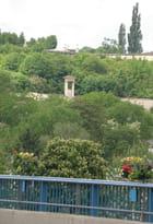 Vue du pont, le mausolée de Félicien David