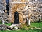 Xaintrailles, fontaine du château