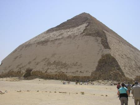 La pyramide rhomboïdale