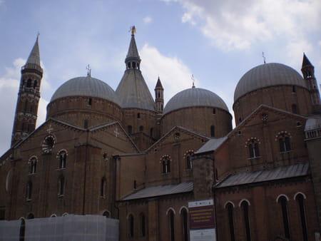 La basilique Saint Antoine de Padoue
