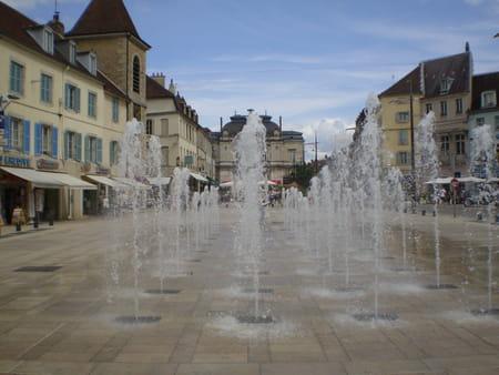 Rue du Commerce à Lons-le-Saunier