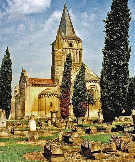 Église Saint-Pierre d'Aulnay-de-Saintonge