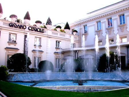 Centre ville d 39 aix les bains guide de voyage tourisme for Piscine aix les bains