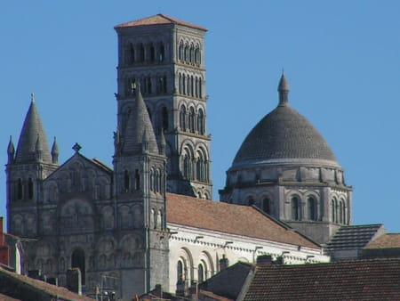 Cath drale saint pierre d 39 angoul me guide de voyage tourisme - Office de tourisme d angouleme ...