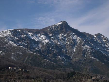 Le monte San Petrone