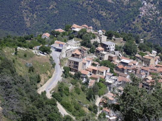 تحميل فيديو مناطق سياحية في الجزائر.. صور أخبار 2011 2012 411810.jpg