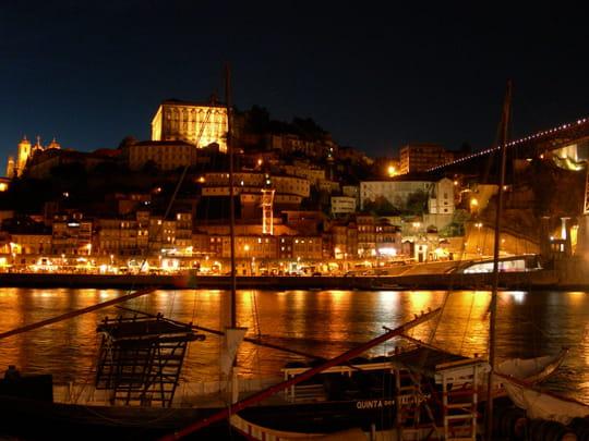 جمهورية البرتغال .. Autres-bateaux-porto-portugal-6191827655-873075