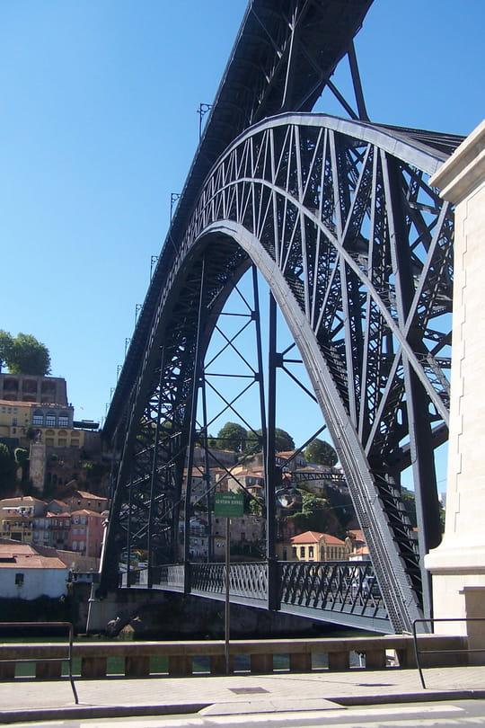جمهورية البرتغال .. Autres-monuments-porto-portugal-1047776468-1162772