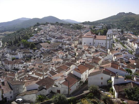 جمهورية البرتغال .. Autres-paysages-castelo-de-vide-portugal-1167866455-1182693