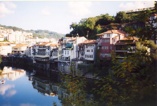 جمهورية البرتغال .. Autres-villes-amarante-portugal-8675653339-962077