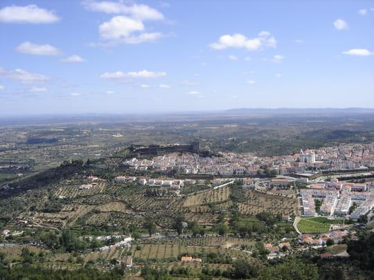 جمهورية البرتغال .. Autres-villes-castelo-de-vide-portugal-1284490696-1182697