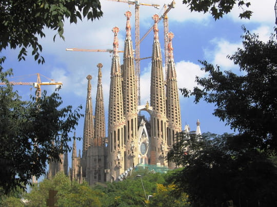 http://image-photos.linternaute.com/image_photo/540/chantiers-cathedrales-barcelone-espagne-6090967060-686713.jpg