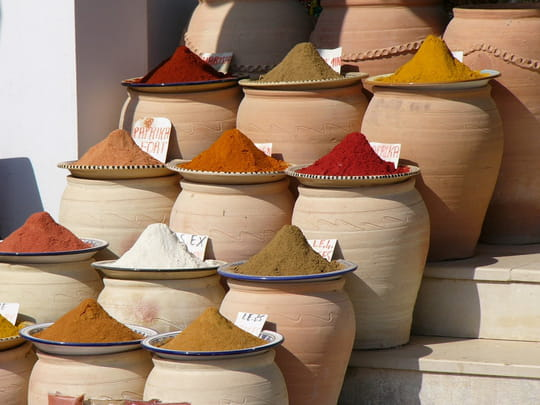 http://image-photos.linternaute.com/image_photo/540/epices-souk-djerba-tunisie-4468042255-745437.jpg