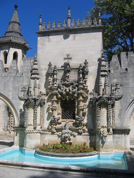 جمهورية البرتغال .. Fontaines-coimbra-portugal-2740747333-947668