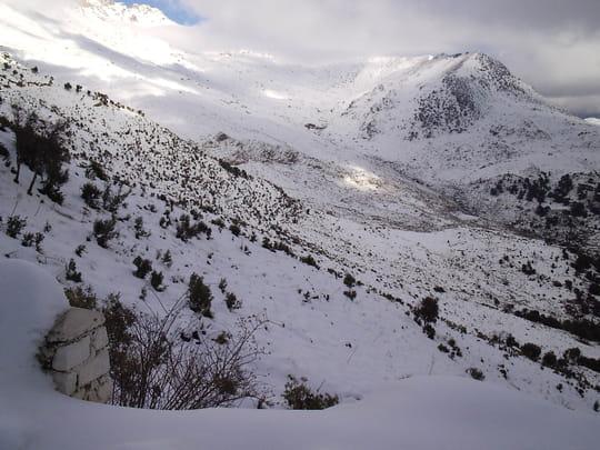 صور لولاية البويرة hiver-neiges-neiges-