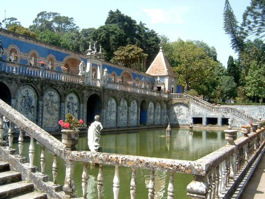 جمهورية البرتغال .. Jardins-prives-parcs-autres-monuments-lisbonne-portugal-2217370868-865484
