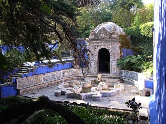 جمهورية البرتغال .. Maisons-jardins-lisbonne-portugal-1170107534-1171528