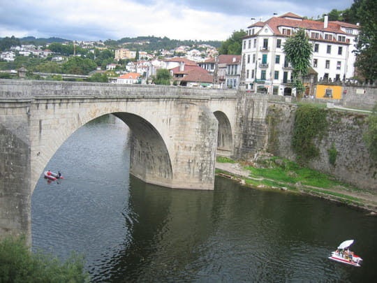 جمهورية البرتغال .. Ponts-amarante-portugal-1351659148-1112546