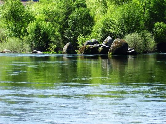 جمهورية البرتغال .. Rivieres-rochers-roche-autres-lacs-et-rivieres-porto-portugal-1347314716-883342