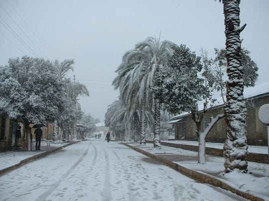السياحة الجزائرية Rues-neiges-neiges-medea-algerie-4827691913-890683