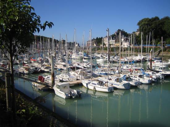 http://image-photos.linternaute.com/image_photo/550/autres-bateaux-saint-valery-en-caux-france-1034284315-1230291.jpg