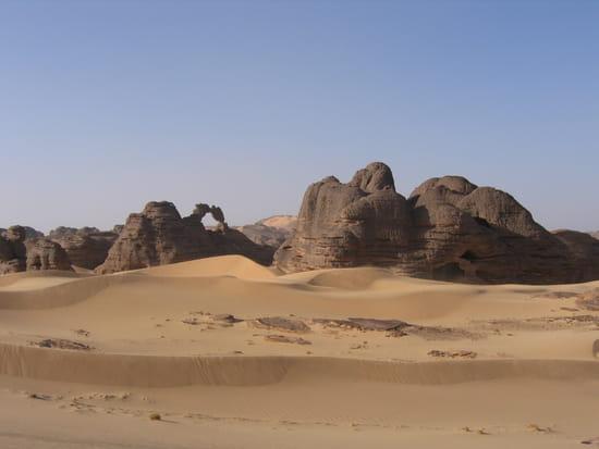 صور من الصحراء الجزائرية * غرداية * تمنراست ...* Autres-deserts-tamanrasset-algerie-1722528339-967444