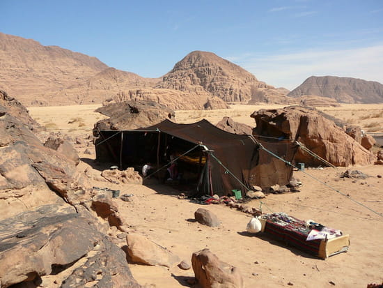 http://image-photos.linternaute.com/image_photo/550/autres-deserts-wadi-rum-jordanie-1405507984-1181204.jpg