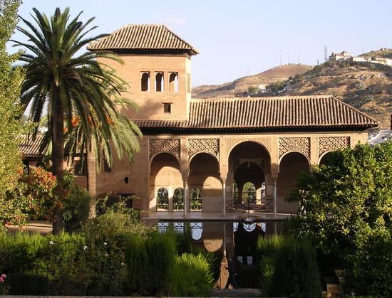 قصر الحمراء.. التاريخ بعينه.. Autres-maisons-grenade-espagne-7468225360-817953