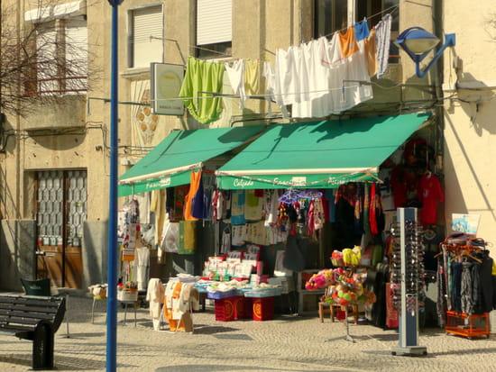 Nazaré au Portugal - Commerces.