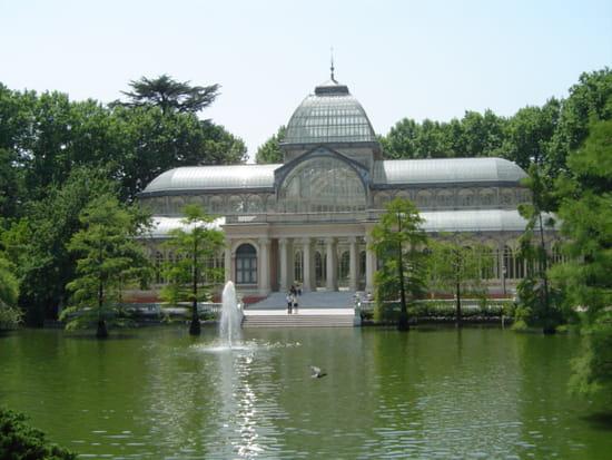سياحة بلاد الأندلس المغصوبة إسبانيا chateaux-lacs-jardin