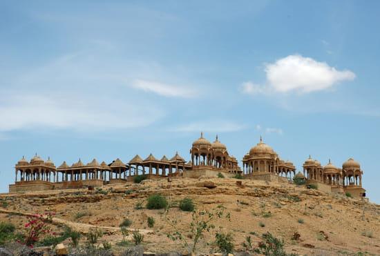 الهند ..جمال و حضارة من مختلف انواعها .. Cimetieres-autres-monuments-jaisalmer-inde-5010034442-875565