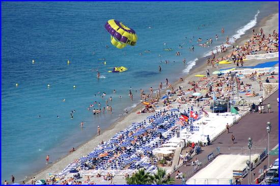 NICE اجمل مدن فرنسية من ناحية السياحة Ete-cerf-volant-plages-nice-france-1060560906-1082765