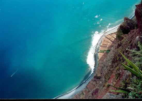 فونشال البرتغالية falaises-funchal-por