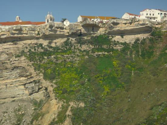 Nazaré au Portugal - La falaise.