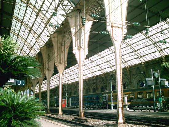 NICE اجمل مدن فرنسية من ناحية السياحة Gares-nice-france-6755792499-899517