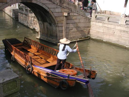 CHINE dans VOYAGES gondoles-canaux-suzhou-chine-3157770038-898035