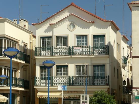 Nazaré au Portugal - Immeubles.
