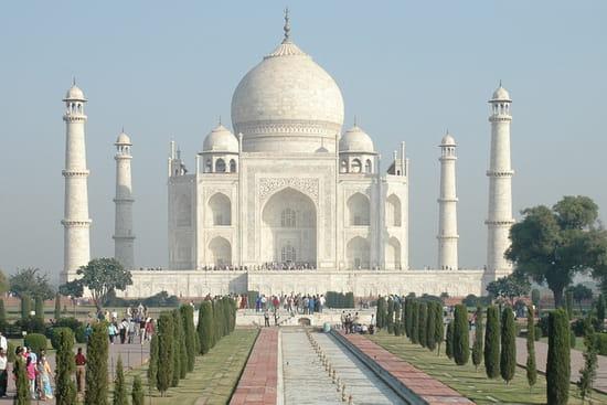 الهند ..جمال و حضارة من مختلف انواعها .. Mausolees-agra-inde-1012941418-1143072