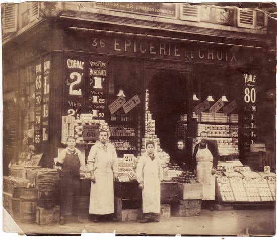 Une autre époque pour le commerce - Épicerie familiale d'Emile Séjourné mon arrgrand-père avec ses employés 36<br> avenue d'Orléans Paris XIV