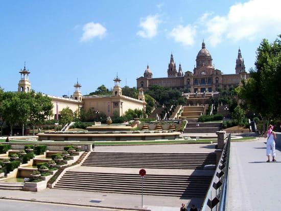 سياحة بلاد الأندلس المغصوبة إسبانيا palais-barcelona-esp