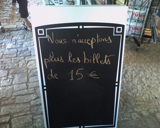 Live Foot ! - Page 27 Panneaux-insolites-villeneuve-sur-lot-france-2792779804-915284