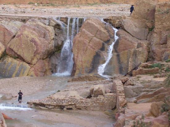 اليكم صورمختلفه لمدينه بوسعاده مسقط راسي Panorama-bou-saada-algerie-1107547099-1116905