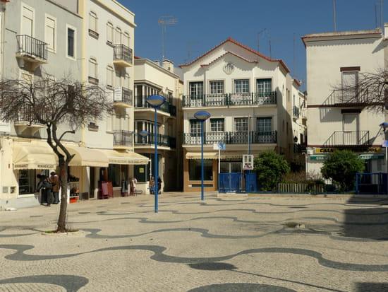Nazaré au Portugal - Place près du front de <a class=