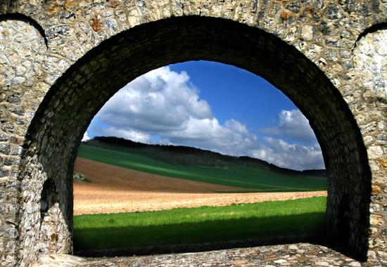 L'arche de vie ponts-pont-sur-vanne-france-1180635145-1070572