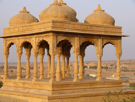 الهند ..جمال و حضارة من مختلف انواعها .. Temples-jaisalmer-inde-8092462421-945394