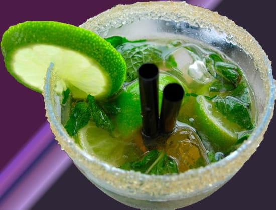 Quelques cocktails à base de ... rhum ! dans La vie en Martinique verres-boisson-arcachon-france-2728845478-876939