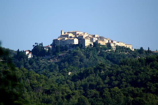 NICE اجمل مدن فرنسية من ناحية السياحة Villages-nice-france-241510273-921206