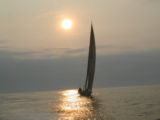 Coucher de mer dans la vie voile-couchers-de-soleil-pointe-noire-republique-democratique-du-congo-3395654560-588575