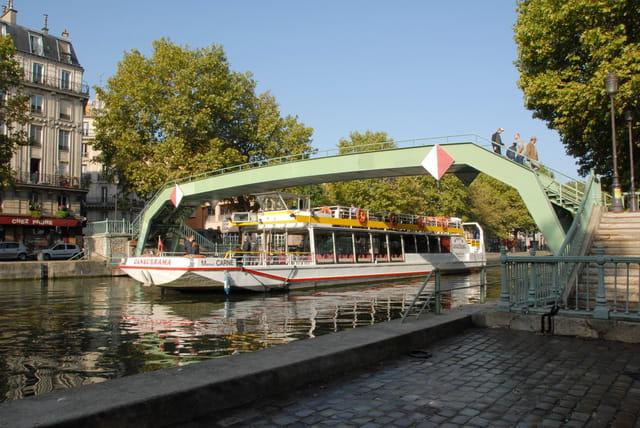 Quai de valmy par alain roy sur l 39 internaute - Restaurant quai de valmy ...