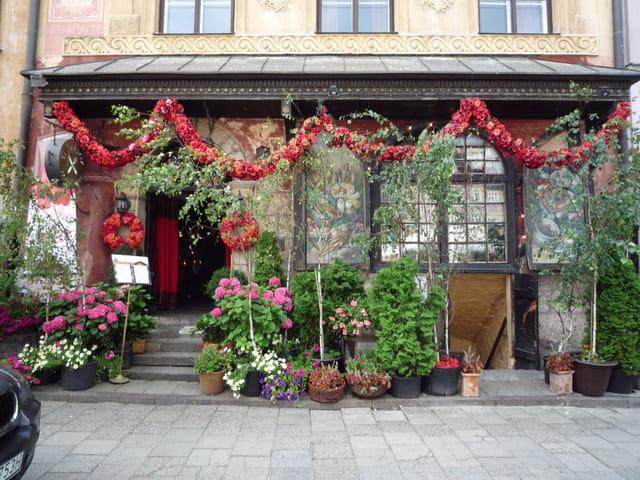 Maison fukier varsovie par serge poidevin sur l 39 internaute - Lappartement high tech high end varsovie ...